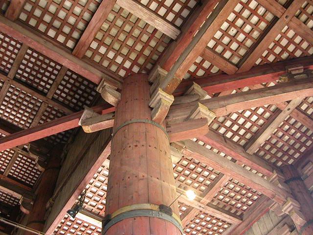 Pilares del techo de Todaiji, Nara