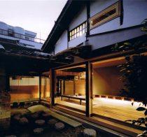 Engawa de una casa japonesa. Arquitecto: Tadashi Yoshimura. Fotografía: Hitoshi Kawamoto