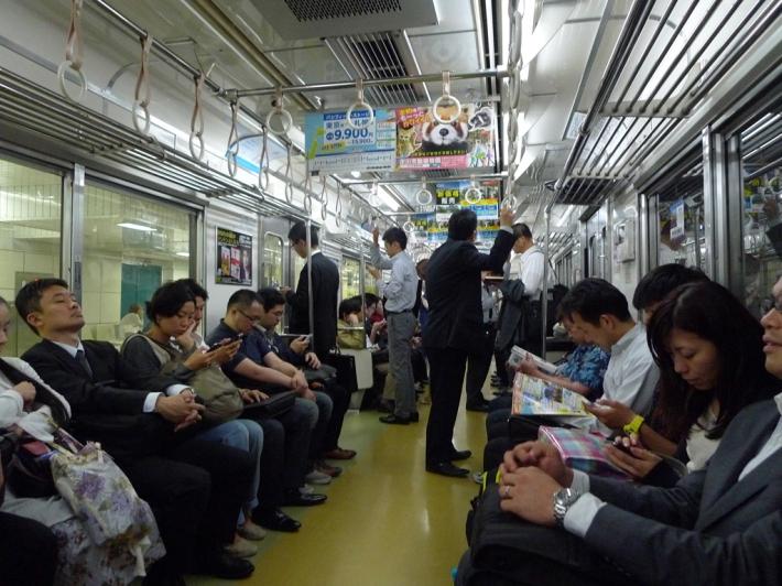 Tren de vuelta por la noche