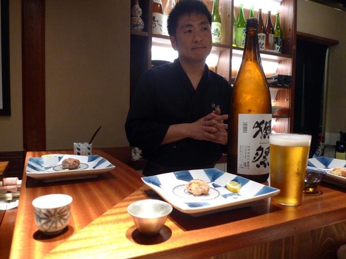 El chef nos ofrece el sake especial