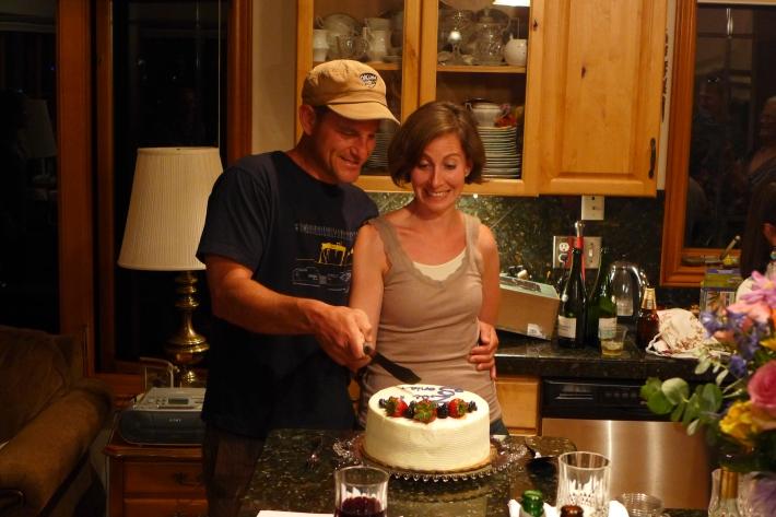 Juntos cortando la tarta