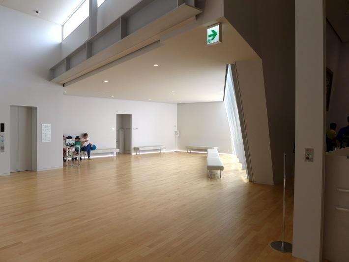 Interior del museo. Zona de descanso